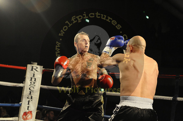12. Chas Cronk vs Chris Dewell